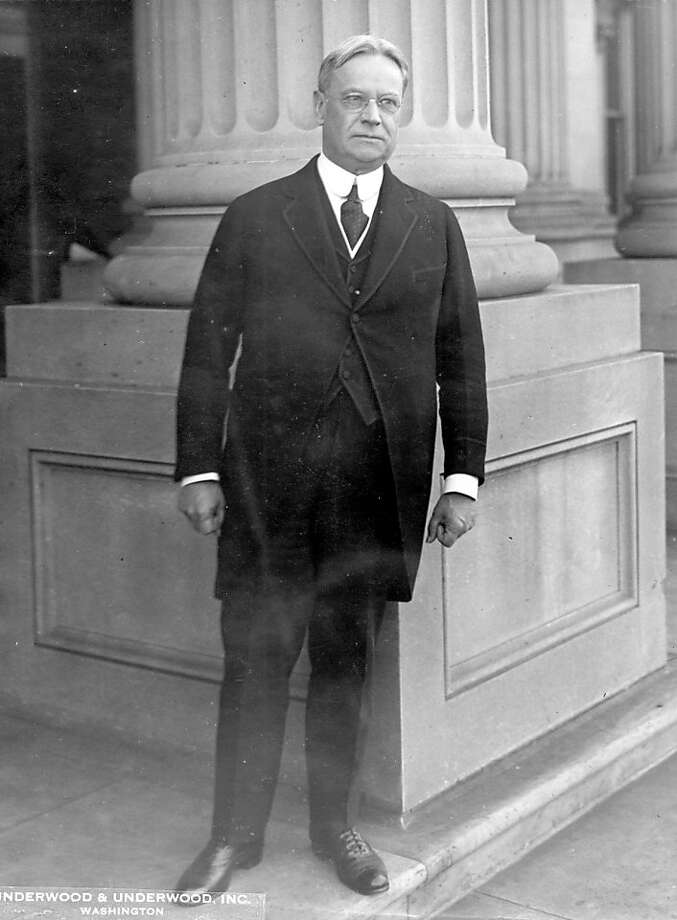 Senator Hiram Johnson. ALSO Ran on: 04-01-2007 Hiram Johnson won 30 percent of votes in the 1920 GOP primaries. Photo: Handout, HANDOUT