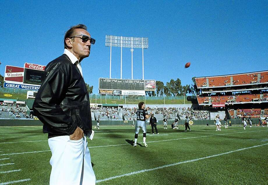 FILE - In this Saturday, Aug. 26, 1989 file photo, Raiders owner Al Davis watches Los Angeles Raiders practice before exhibition game against the Houston Oilers at the Oakland Coliseum. Davis, the Hall of Fame owner of the Oakland Raiders known for his rebellious spirit, has died. The team announced his death at age 82 on Saturday, Oct. 8, 2011. (AP Photo/Scott Anger, File)   Ran on: 10-09-2011 Al Davis, watching the Raiders practice before an exhibition game at the Oakland Coliseum, showed a steely, brash exterior that masked a genuinely caring heart. Ran on: 10-09-2011 Al Davis, watching the Raiders practice before an exhibition game at the Oakland Coliseum, showed a steely, brash exterior that masked a genuinely caring heart. Photo: Scott Anger, AP