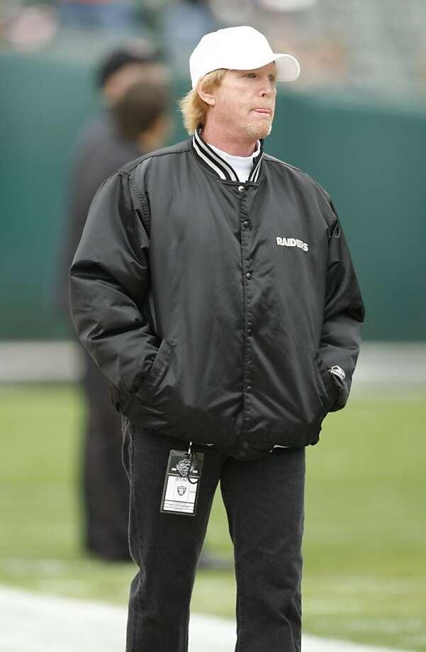 Mark Davis, son of Raiders owner Al Davis on the sidelines during pre game warm ups in Oakland, Sunday, Nov. 22, 2009.(AP Photo/Ben Margot) Photo: Ben Margot, ASSOCIATED PRESS