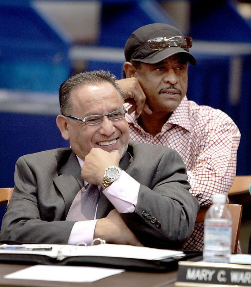 ballpark_085_pc.jpg Board members and city councilmen Ignacio De La Fuente and Larry Reid were dazzled by Wolff's presentation. Oakland A's owner Lewis Wolff revealed the team's ballpark plan to the Oakland - Alameda Co. Coliseum Authority board of commissioners on 8/12/05 in Oakland, Calif. PAUL CHINN/The Chronicle  Ran on: 08-13-2005 Lewis Wolff, A's owner, speaks to the Coliseum Authority Board about the proposed ballpark.  Ran on: 08-13-2005 Lewis Wolff, A's owner, speaks to the Coliseum Authority board about the proposed ballpark.  Ran on: 10-05-2011 City Councilmen Ignacio De La Fuente (left) and Larry Reid submitted the three proposals. Ran on: 10-05-2011 City Councilmen Ignacio De La Fuente (left) and Larry Reid submitted the three proposals. Ran on: 10-05-2011 City Councilmen Ignacio De La Fuente (left) and Larry Reid submitted the three proposals. Ran on: 10-05-2011 City Councilmen Ignacio De La Fuente (left) and Larry Reid submitted the three proposals. Ran on: 10-05-2011 City Councilmen Ignacio De La Fuente (left) and Larry Reid submitted the three proposals. Photo: Paul Chinn, The Chronicle