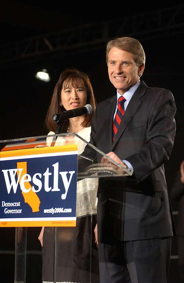 Democrat Steve Westly, who is running for Governor, right, appears with his wife Anita before supporters at his primary election night party held at the Westin Bonaventure Hotel downtown Los Angeles, Tuesday, June 6, 2006. Photo by: Ann Johansson/For the SF Chronicle.  Ran on: 10-04-2011 Venture capitalist Steve Westly wrote the White House that a visit to the Solyndra factory could come to haunt the president. Ran on: 10-04-2011 Venture capitalist Steve Westly wrote the White House that a visit to the Solyndra factory could come to haunt the president. Photo: Ann Johansson, Special To The Chronicle