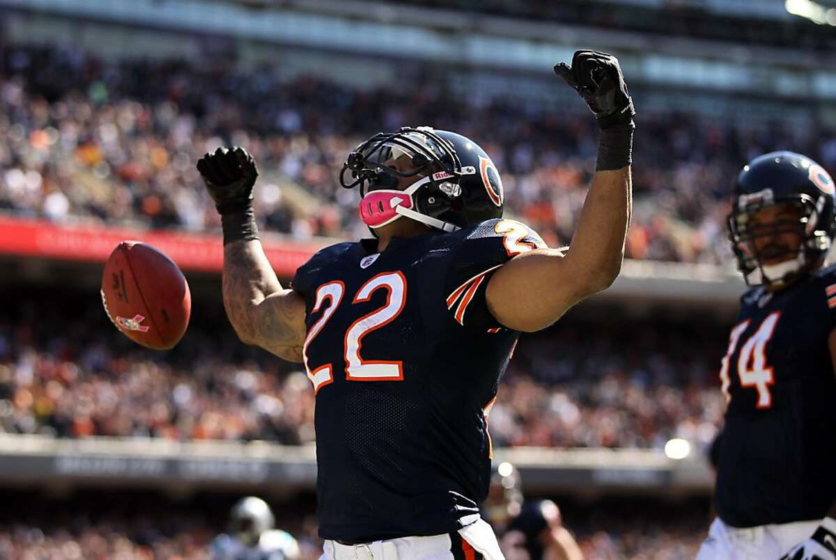 Chicago Bears' Matt Forte rushed for a touchdown against the Carolina Panthers during the 2nd quarter at Soldier Field in Chicago, Illinois, Sunday, October 2, 2011. The Bears defeated the Panthers 34-29. (Scott Strazzante/Chicago Tribune/MCT)