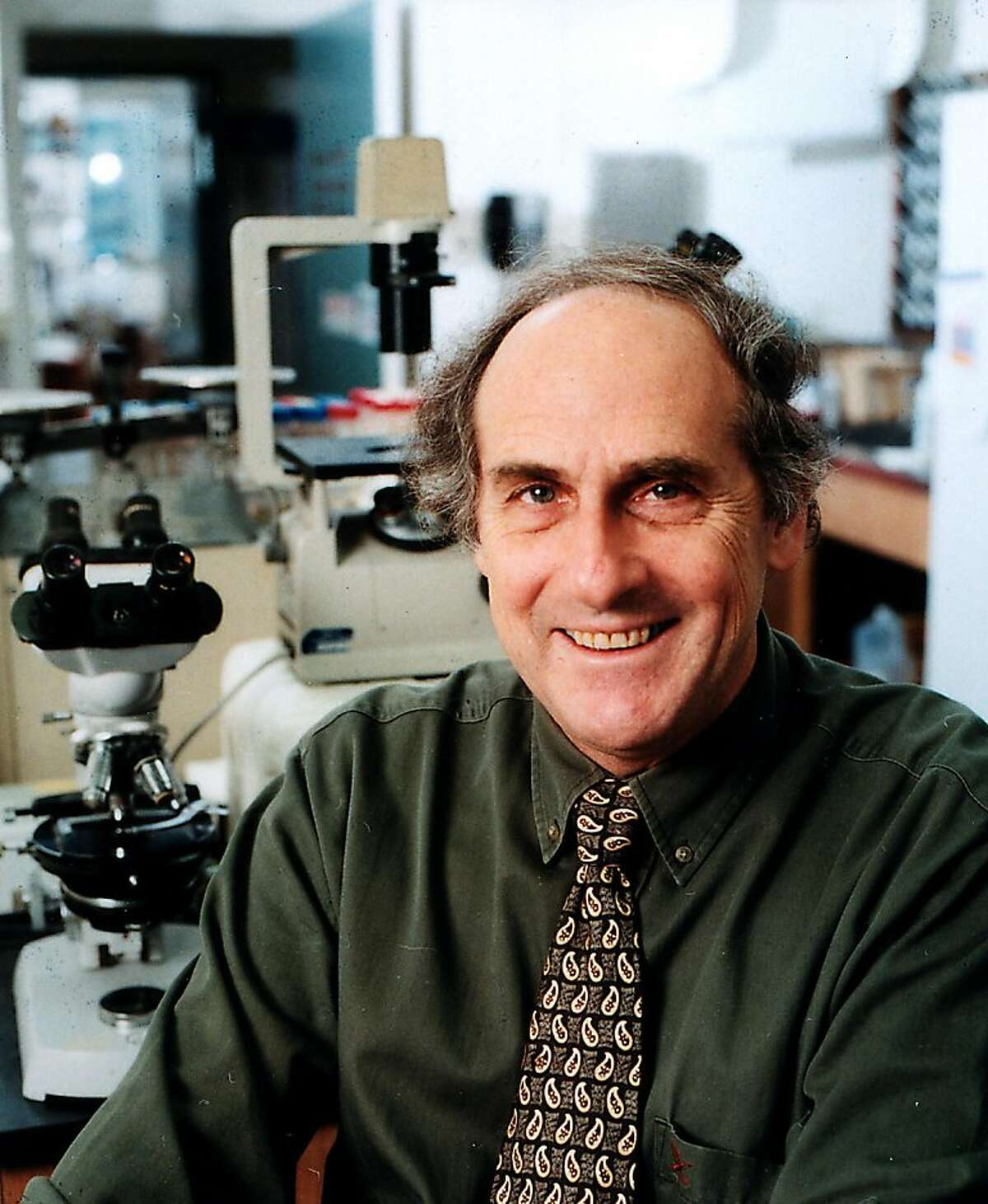 UNDATED, UNSPECIFIED LOCATION: In this handout provided by Rockefeller University, Immunologist Ralph Steinman, M.D. poses for a photo in a science lab in this undated photograph. The Nobel Prize in Physiology or Medicine was awarded to Rockefeller University scientist Ralph Steinman for his work on cancer research. However Steinman, 68, passed away on September 30 after a four-year battle with pancreatic cancer. (Photo by Rockefeller University via Getty Images)