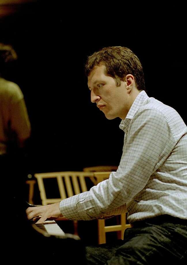 Pianist-composer Thomas Adès   Ran on: 03-18-2010 Thomas Adès performed a &quo;concert paraphrase.&quo; Photo: SF Performances