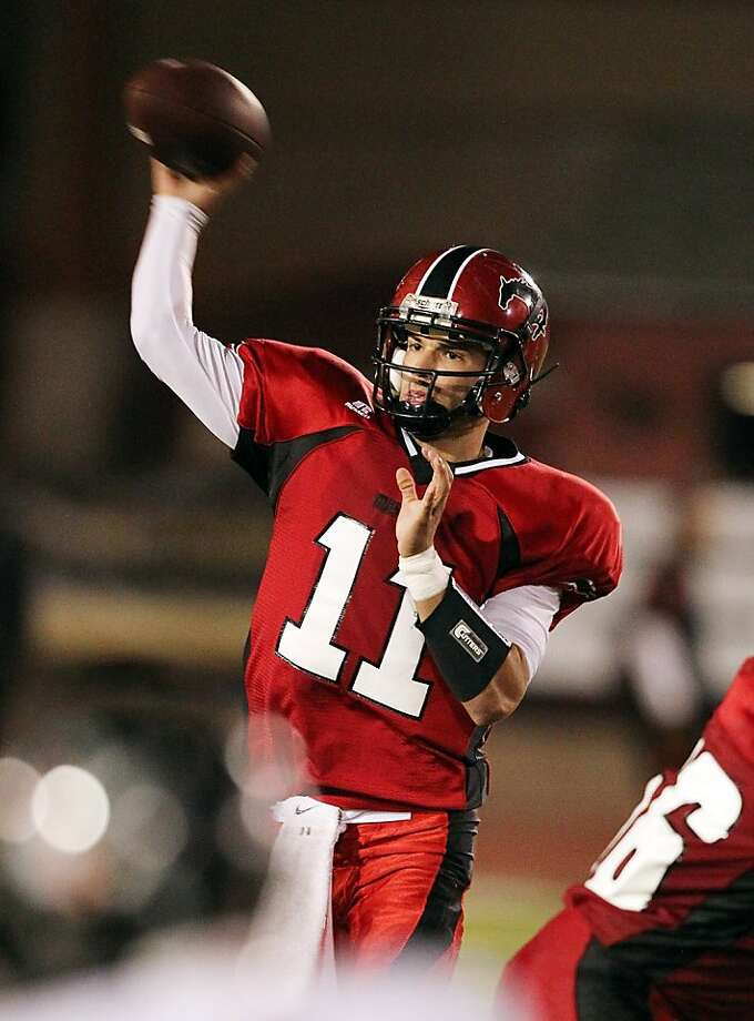 Monte Vista-Danville quarterback Jeff Lockie has chosen to play for Oregon. Photo: Dennis Lee