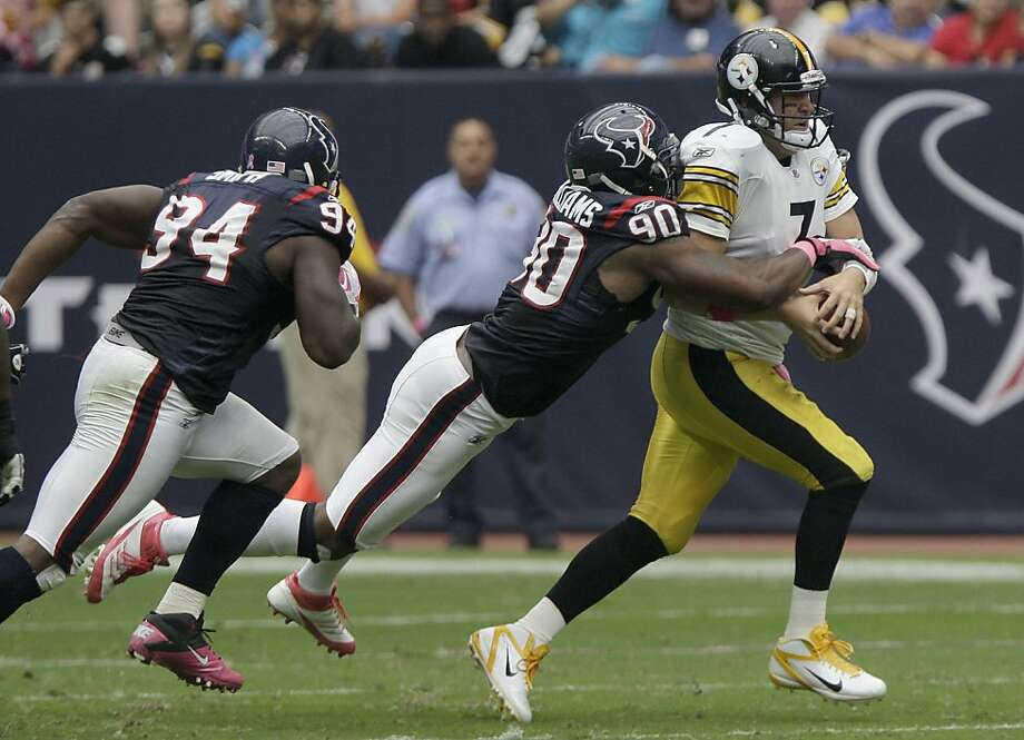 HOUSTON, TX - OCTOBER 02: Quarterback Ben Roethlisberger #7 of the Pittsburgh Steelers is sacked by linebacker Mario Williams #90 of the Houston Texans on October 2, 2011 at Reliant Stadium in Houston, Texas.Texans won 17 to 10. (Photo by Thomas B. Shea/Getty Images) Photo: Thomas B. Shea, Getty Images