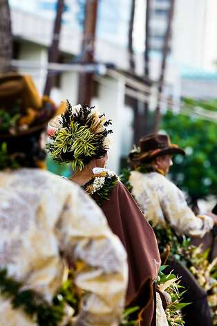 Pau riders and horses adorned with intricate lei Photo: Tor Johnson, HTA