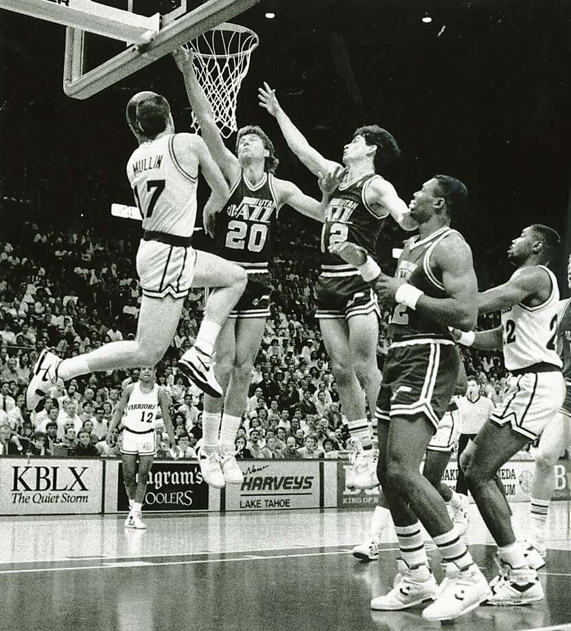 Chris Mullin leads the Golden State Warriors to a win over Utah. May 3, 1989. Photo: John O'Hara, The Chronicle