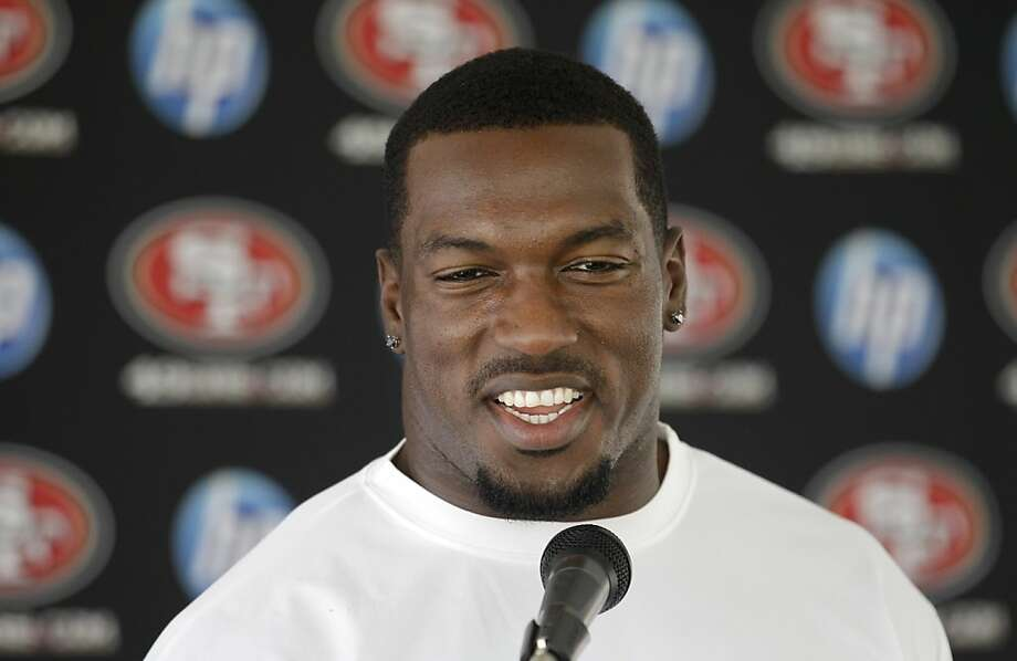 San Francisco 49ers linebacker Patrick Willis smiles while speaking with reporters before NFL football training camp in Santa Clara, Calif., Friday, July 29, 2011. Photo: Jeff Chiu, AP