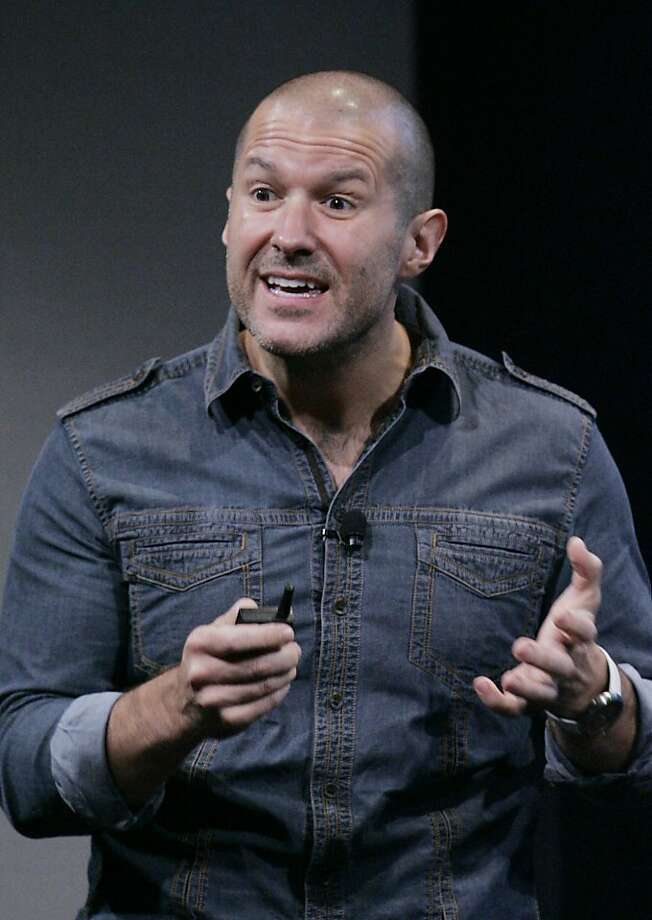 Jonathan Ive, Apple senior vice president of Industrial Design; and Photo: Paul Sakuma, AP