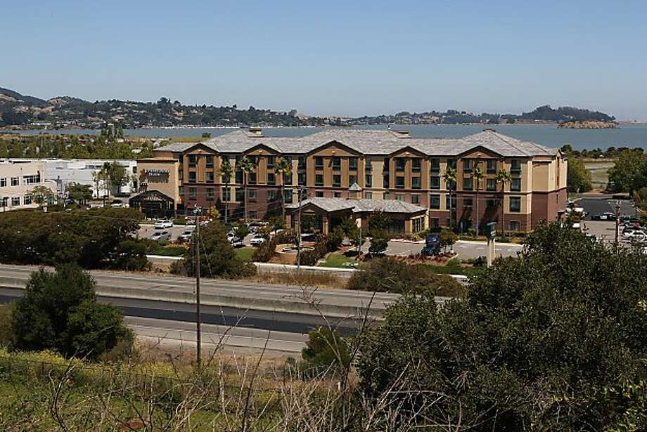 gunshot from hotel closes i 580 in san rafael sfgate. Black Bedroom Furniture Sets. Home Design Ideas