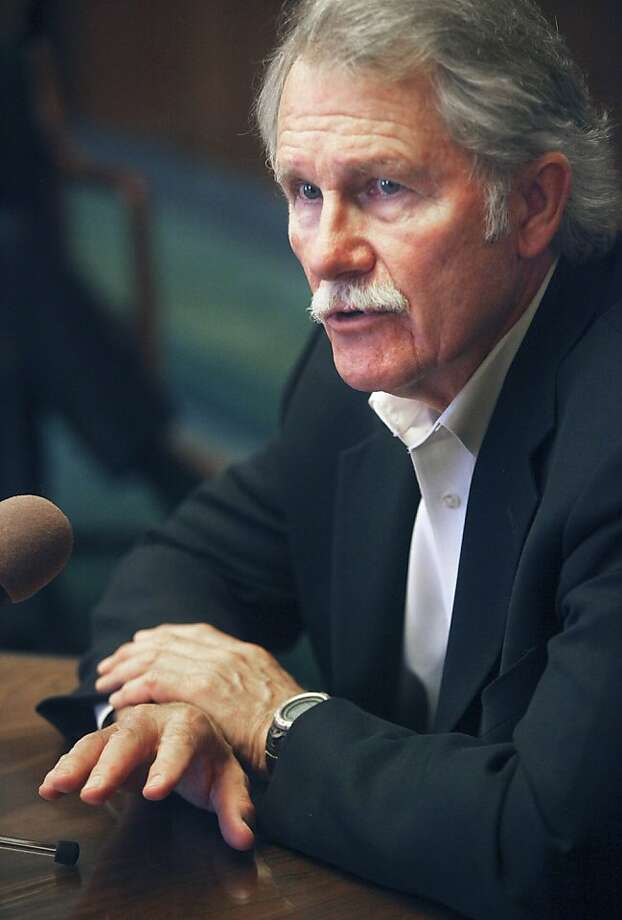 Gov. John Kitzhaber speaks with members of the media at the Oregon State Capitol, Thursday, Aug. 4, 2011 in Salem, Ore.  Gov. John Kitzhaber says he will not veto any more bills this year. The Oregon Democrat who once set a veto record has turned back just one bill since taking office in January. And he said Thursday he will sign all other measures that were passed by the Legislature.    (AP Photo/Statesman Journal, Thomas Patterson) Photo: Thomas Patterson, AP