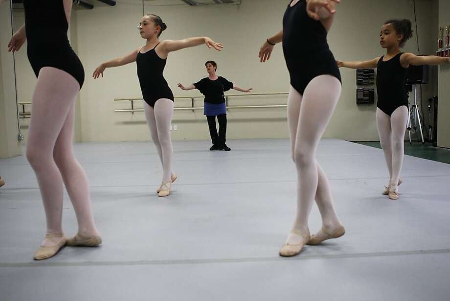 Shely Pack teaches a ballet lesson at her studio in Half Moon Bay, Calif., on Wednesday, August 4, 2011. Pack's dance studio has produced numerous award winning dancers. Photo: Maddie McGarvey, The Chronicle