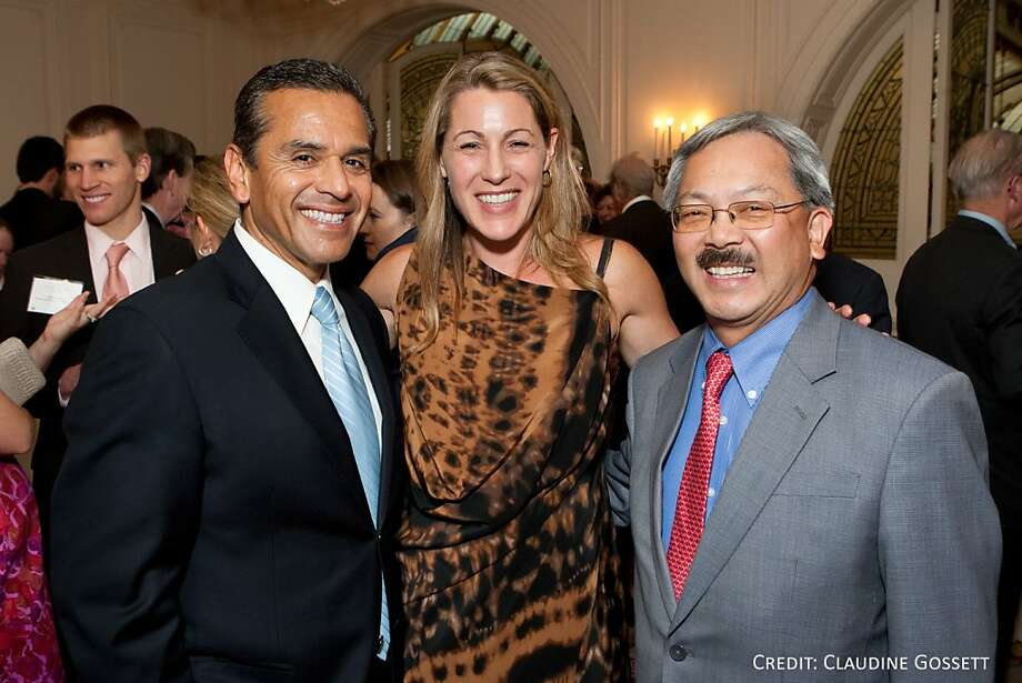 Keynote Speaker Los Angeles Mayor Antonio Villaraigosa with LCAV Executive Director Robyn Thomas and Mayor Ed Lee at the Legal Community Against Violence 18th anniversary dinner on July 14 at the Sheraton Palace Hotel in San Francisco. Photo: Claudine Gossett