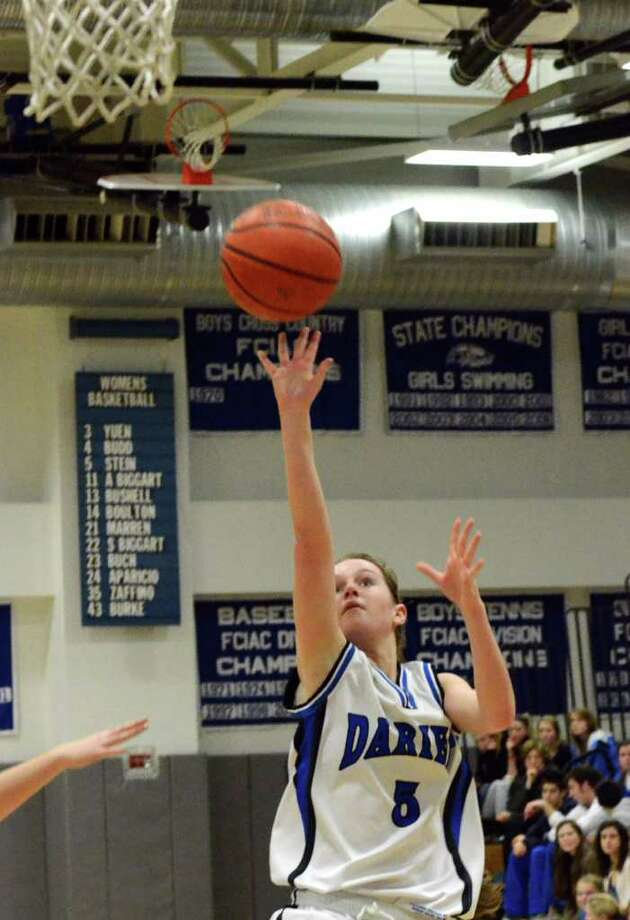 Darien's Emily Stein goes up for a shot during the first round of the girls basketball Class L tournament against Wilton on Monday, Feb. 28, 2011. Photo: Amy Mortensen, ST / Connecticut Post Freelance