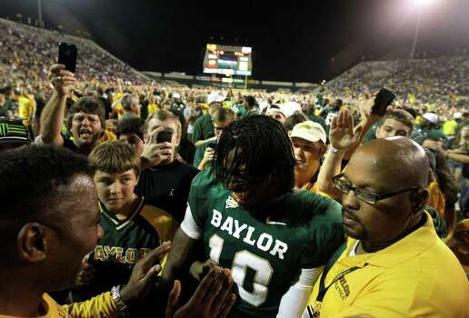 Coming out of Copperas Cove High in 2008, not many people saw Baylor's Robert Griffin III as a potential star quarterback. Photo: TONY GUTIERREZ, ASSOCIATED PRESS