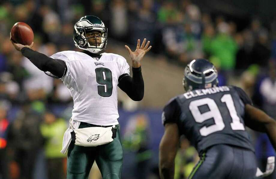 SEATTLE - DECEMBER 01:  Quarterback Vince Young #9 of the Philadelphia Eagles throws a pass against Chris Clemons #91 of the Seattle Seahawks on December 1, 2011 at CenturyLink Field in Seattle, Washington. Photo: Jonathan Ferrey, Getty Images / 2011 Getty Images