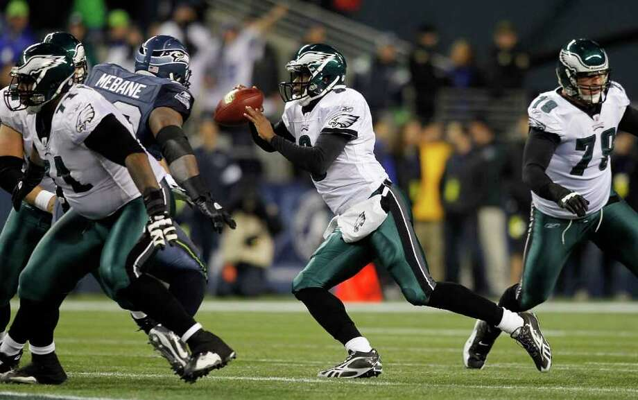 SEATTLE - DECEMBER 01:  Quarterback Vince Young #9 of the Philadelphia Eagles scrambbles out of the pocket against the Seattle Seahawks on December 1, 2011 at CenturyLink Field in Seattle, Washington. Photo: Jonathan Ferrey, Getty Images / 2011 Getty Images
