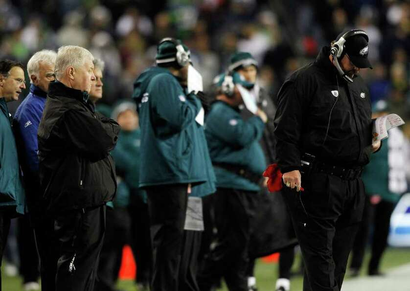 SEATTLE - DECEMBER 01:  Head Coach Andy Reid of the Philadelphia Eagles walks the sidelines against