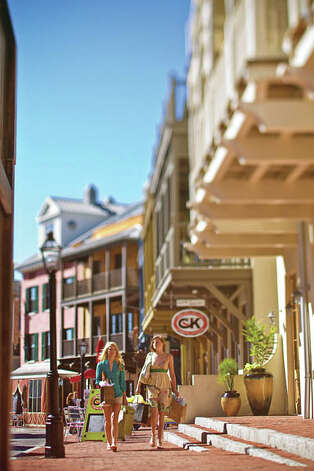 The downtown area features plenty of boutique shopping. (Photo Courtesy Rosemary Beach Cottage Rental Company)