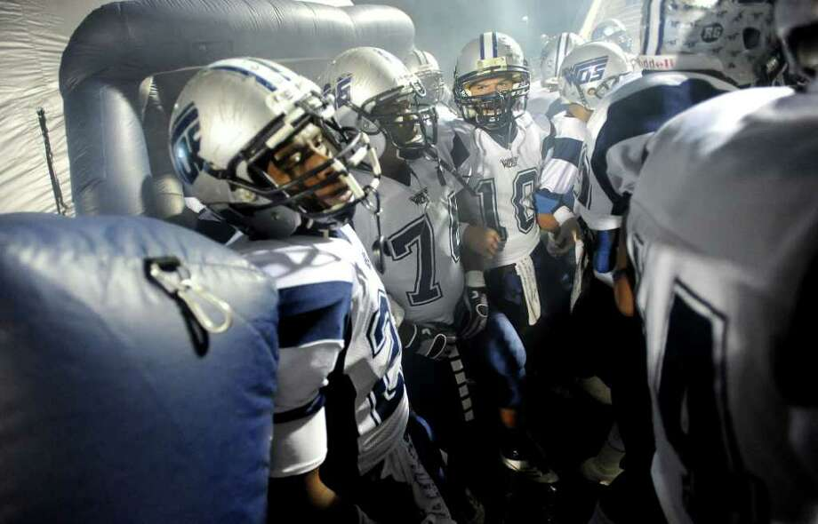 West Orange-Stark gets psyched up before the game against Coldspring. Photo: TAMMY MCKINLEY