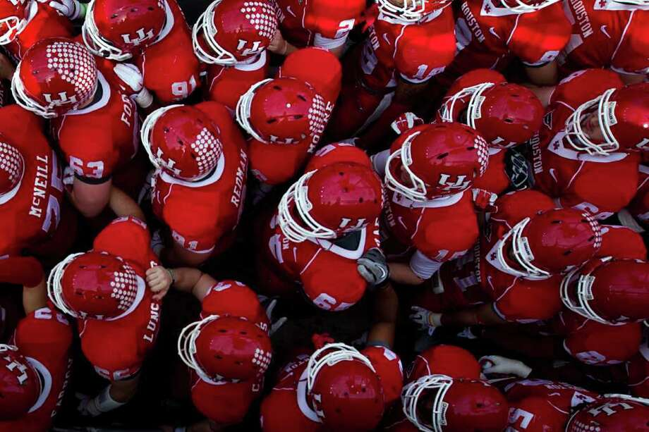 Houston Cougars players wait to take the field before the C-USA Championship at Robertson Stadium, Saturday, Dec. 3, 2011, in Houston. Photo: Smiley N. Pool, Houston Chronicle / © 2011  Houston Chronicle