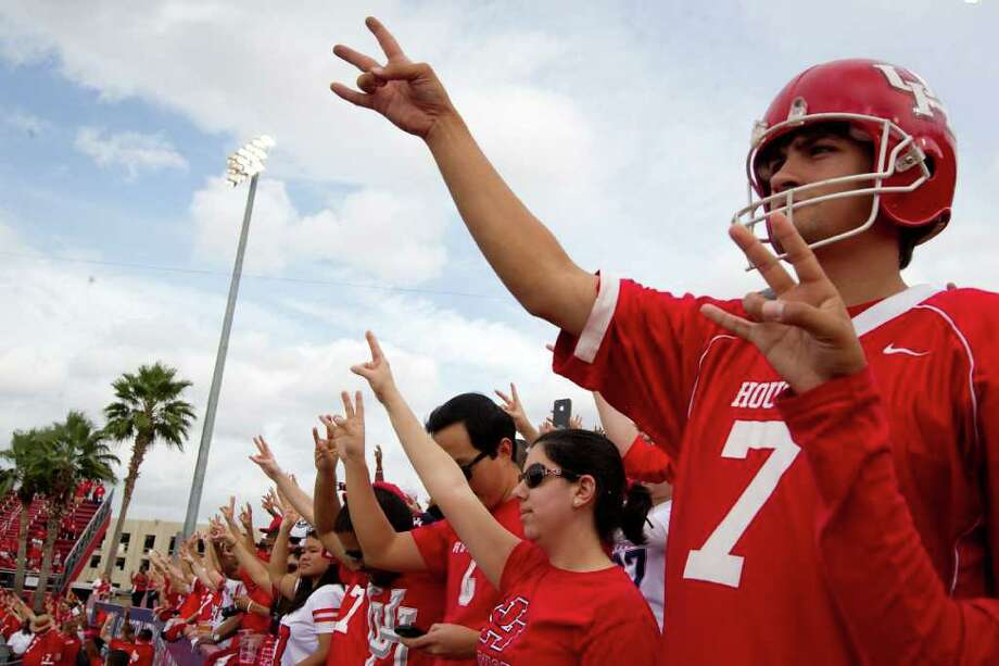 UH students voted for a student fee increase to help athletics. Photo: Smiley N. Pool / © 2011  Houston Chronicle