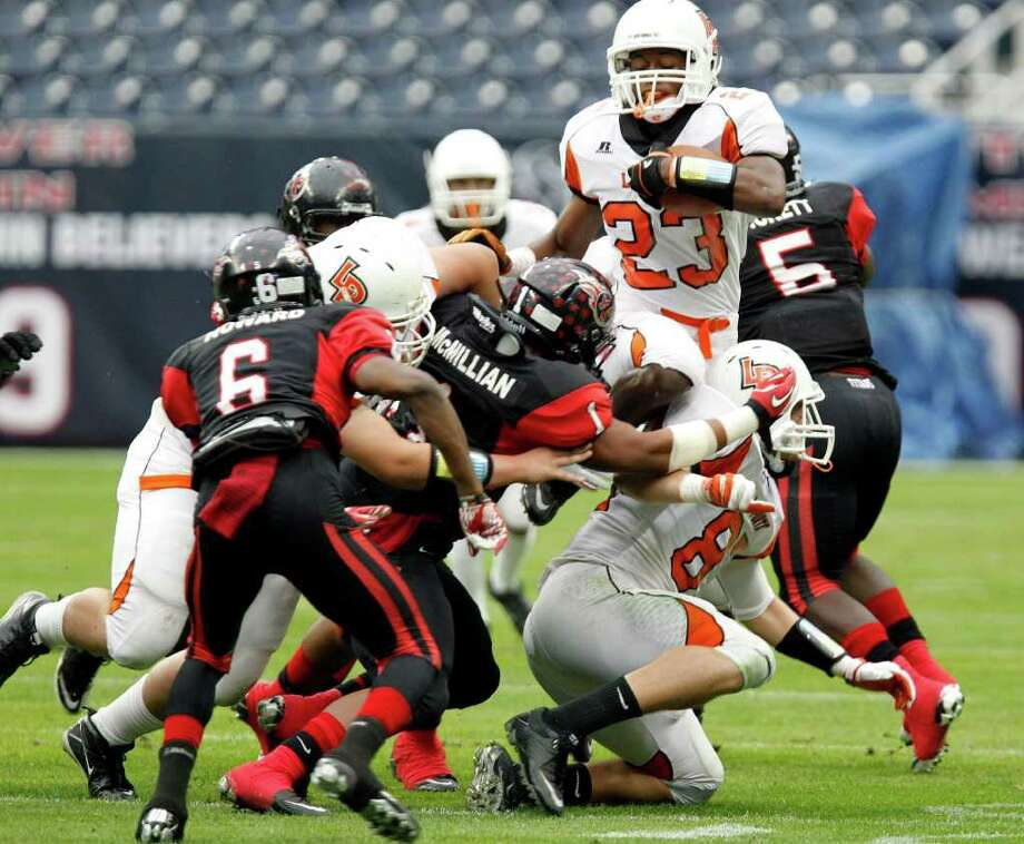 5. Davonte McMillan, Port Arthur Memorial, LB (not pictured)With 120 tackles (18 for loss), one interception and eight sacks, McMillan has helped lead the Titans all season. Photo: James Nielsen, Houston Chronicle / © 2011 Houston Chronicle