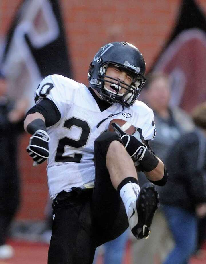 Steele receiver Matthew Mayle celebrates after catching a touchdown pass against Reagan in Class 5A Division II state quarterfinals action at Heroes Stadium on Saturday, Dec. 3, 2011. Photo: BILLY CALZADA, SAN ANTONIO EXPRESS-NEWS  / gcalzada@express-news.net