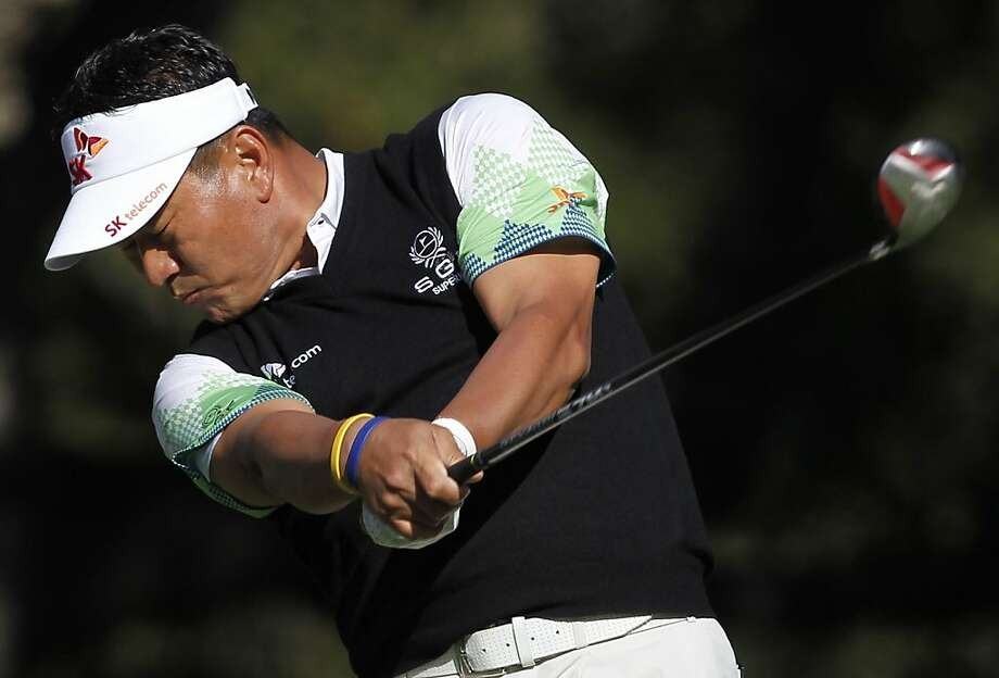 South Korea's K.J. Choi tees off on the sixth hole during the first round of the Chevron World Challenge golf tournament at Sherwood Country Club, Thursday, Dec. 1, 2011, in Thousand Oaks, Calif. (AP Photo/Danny Moloshok) Photo: Danny Moloshok, AP