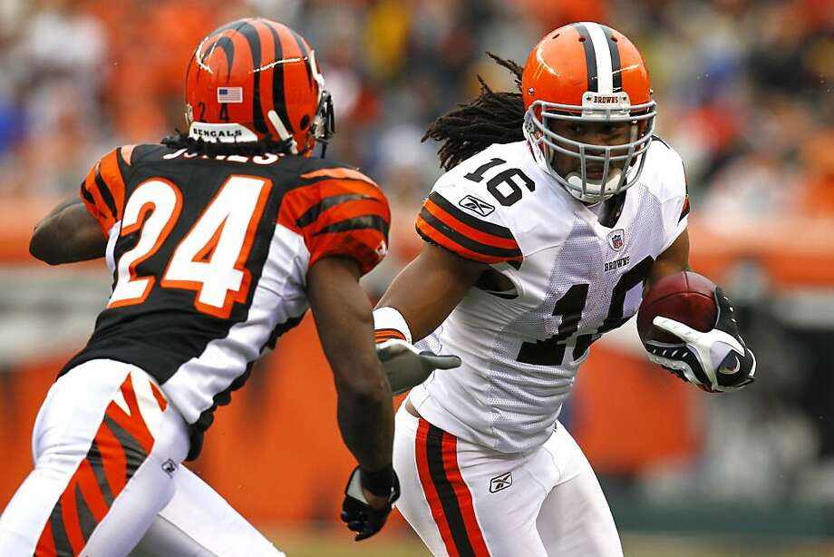 CINCINNATI, OH - NOVEMBER 27:  Joshua Cribbs #16 of the Cleveland Browns looks to run past around Adam Jones #24 of the Cincinnati Bengals at Paul Brown Stadium on November 27, 2011 in Cincinnati, Ohio.  (Photo by Tyler Barrick/Getty Images) Photo: Tyler Barrick, Getty Images