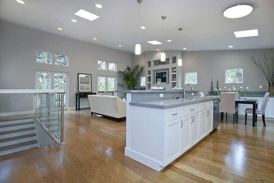 522 Midvale Way Photo: Open Homes Photography
