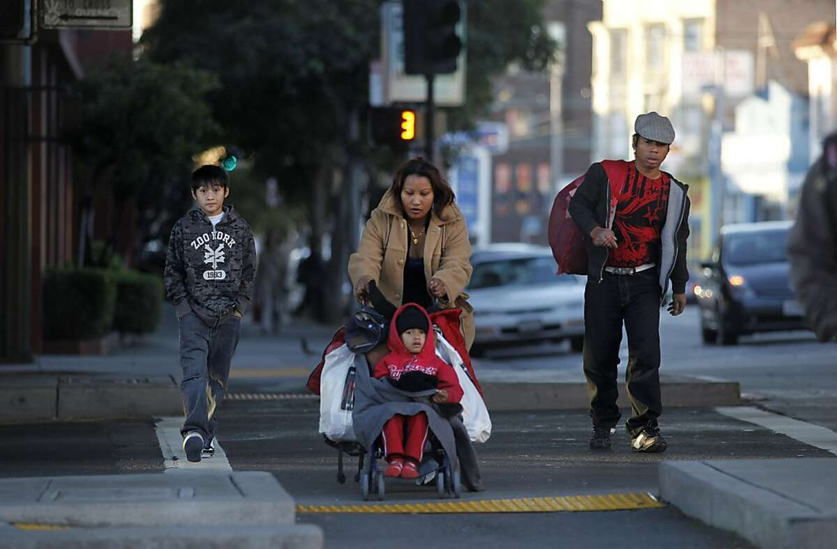 The family leaves the shelter to make their way by MUNI bus to Rudy's school across town. Sophom