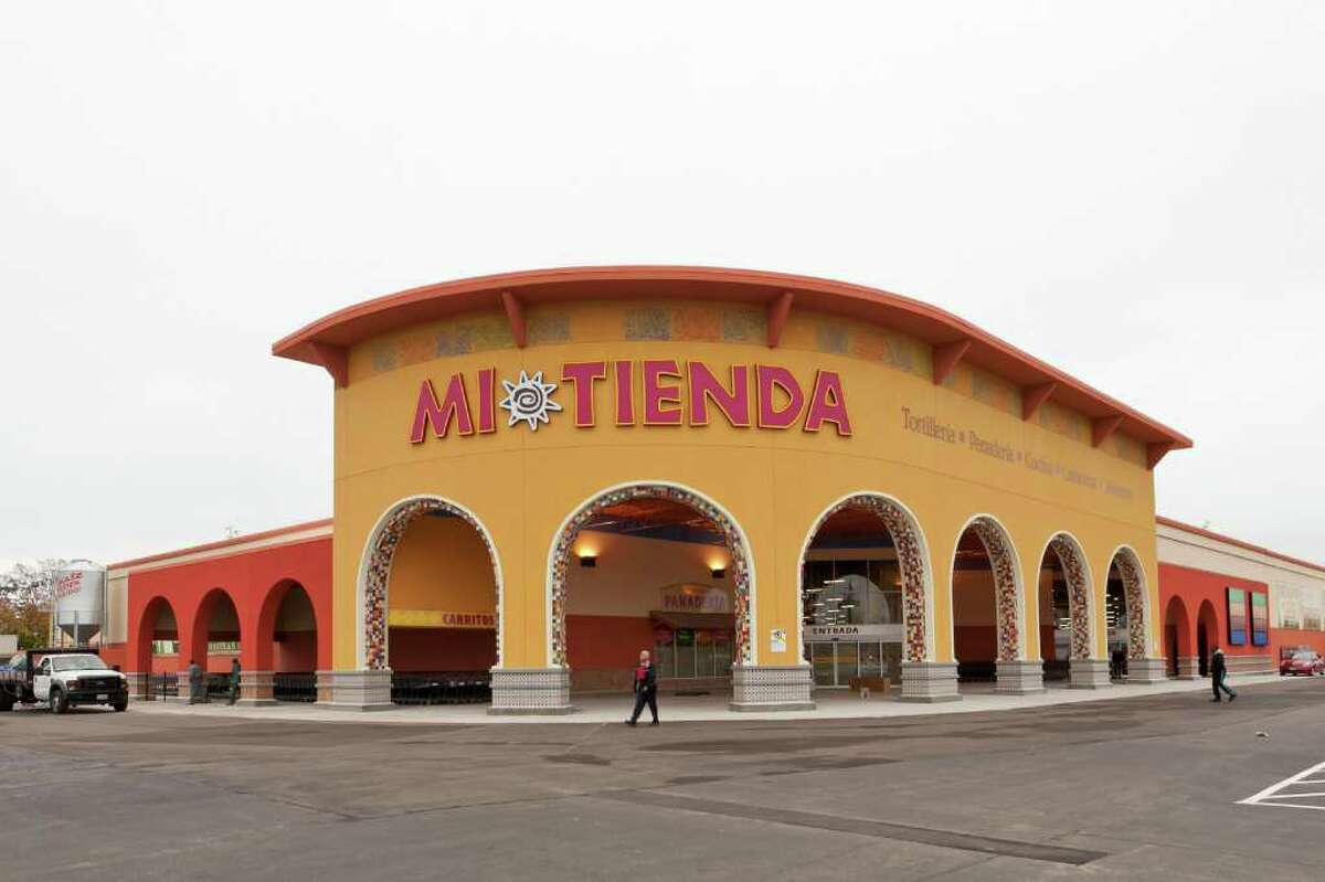Workers prepare the new Mi Tienda Monday noon December 5, 2011. HEB is opening a brand new Mi Tienda, a Latin grocery market with lots of authentic features, on Wednesday December 7, 2011 at East Little York and Highway 59. Nathan Lindstrom/Special to the Chronicle ©2011 Nathan Lindstrom