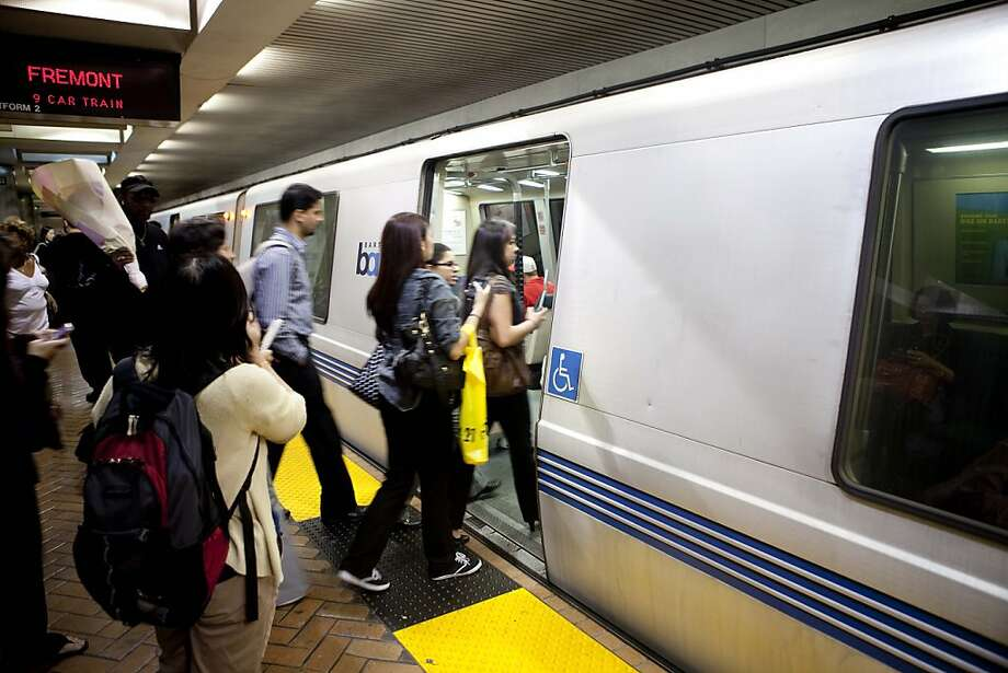 BART commuters enters a train bound for Fremont at the Powell station in San Francisco, Calif. on Thursday, Aug. 13, 2009. BART is set to strike at midnight this coming Sunday. Photo: Stephen Lam, The Chronicle
