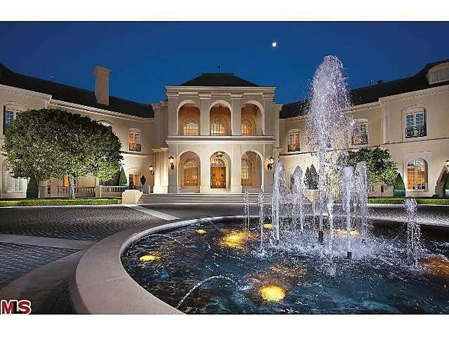 The former Spelling mansion built in 1990 for late TV producer Aaron Spelling and his wife, Candy. Photo: Realtor.com