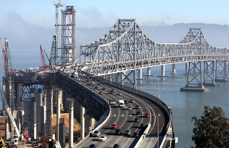 Ironworkers began lifting the fourth section of new Bay Bridge tower into place. They continue to work 24/7 till all four sections that make up the tower are in place. Thursday Dec 16, 2010 Photo: Lance Iversen, The Chronicle