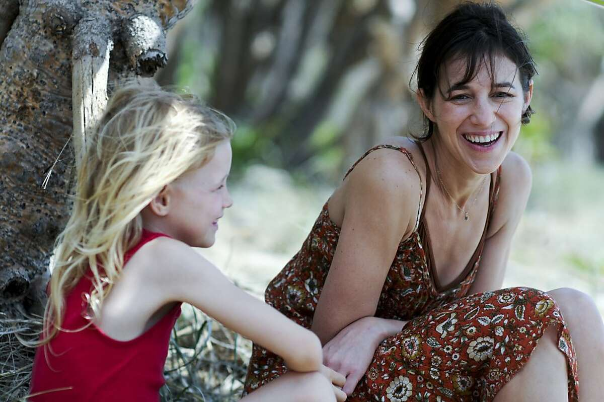 Morgana Davies as Simone and Charlotte Gainsbourg as Dawn in THE TREE, a film by Julie Bertuccelli.