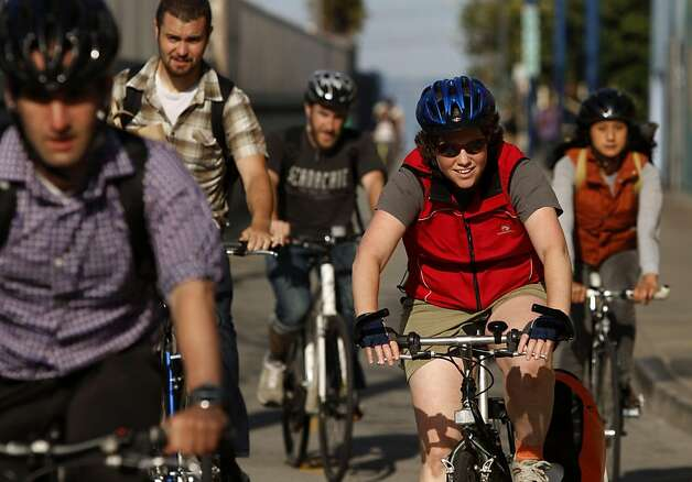 Bikers use the Wiggle route to avoid hills on their way home from work in San Francisco Calif., on July 27, 2011. Photo: Audrey Whitmeyer-Weathers, The Chronicle