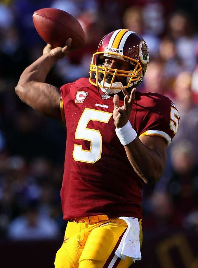 LANDOVER, MD - NOVEMBER 28:  Quarterback Donovan McNabb drops back to pass against the Minnesota Vikings at FedExField November 28, 2010 in Landover, Maryland. The Vikings won the game 17-13. Photo: Win McNamee, Getty Images