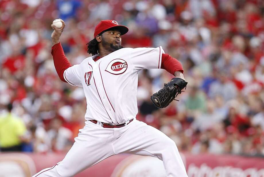 CINCINNATI, OH - JULY 26: Johnny Cueto #47 of the Cincinnati Reds pitches against the New York Mets at Great American Ball Park on July 26, 2011 in Cincinnati, Ohio. Photo: Joe Robbins, Getty Images