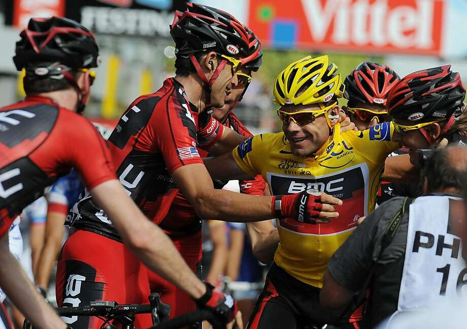 Australia's Cadel Evans celebrates winning the Tour de France following stage twenty one from Creteil to Paris on July 24, 2011. (Anna Gowthorpe/PA Photos/Abaca Press/MCT)v Photo: Anna Gowthorpe, MCT