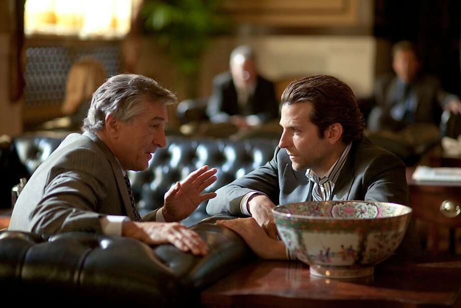 (Left to right.) Robert DeNiro and BradleyCooper star in Relativity MediaÕs LIMITLESS. Photo: John Baer, Dark Fields Productions, LLC