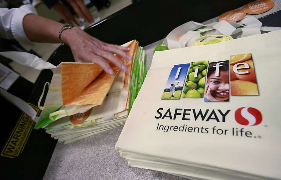 FILE - This file photo made July 21, 2010, shows Safeway cloth bags in San Ramon, Calif. Grocery store operator Safeway Inc. said Thursday, July 21, 2011, its second-quarter net income rose as higher and selling prices and strong gas sales helped offset rising commodity costs. Photo: Paul Sakuma, AP