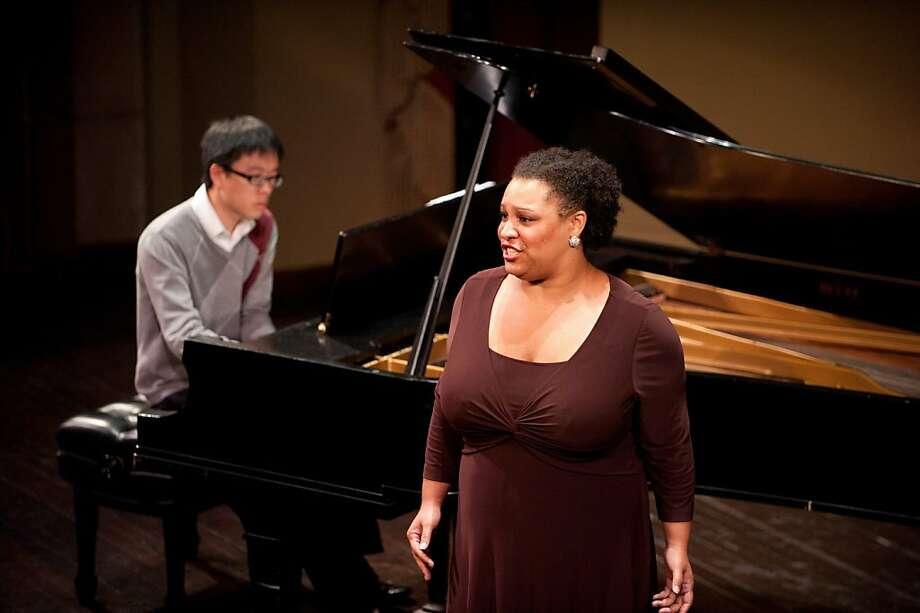Pianist Timothy Cheung (l.) and mezzo-soprano Deborah Nansteel Photo: Kristen Loken