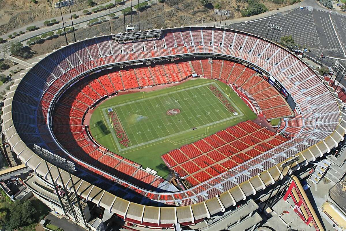 An aerial photograph of Candlestick Park on October 13, 2008.