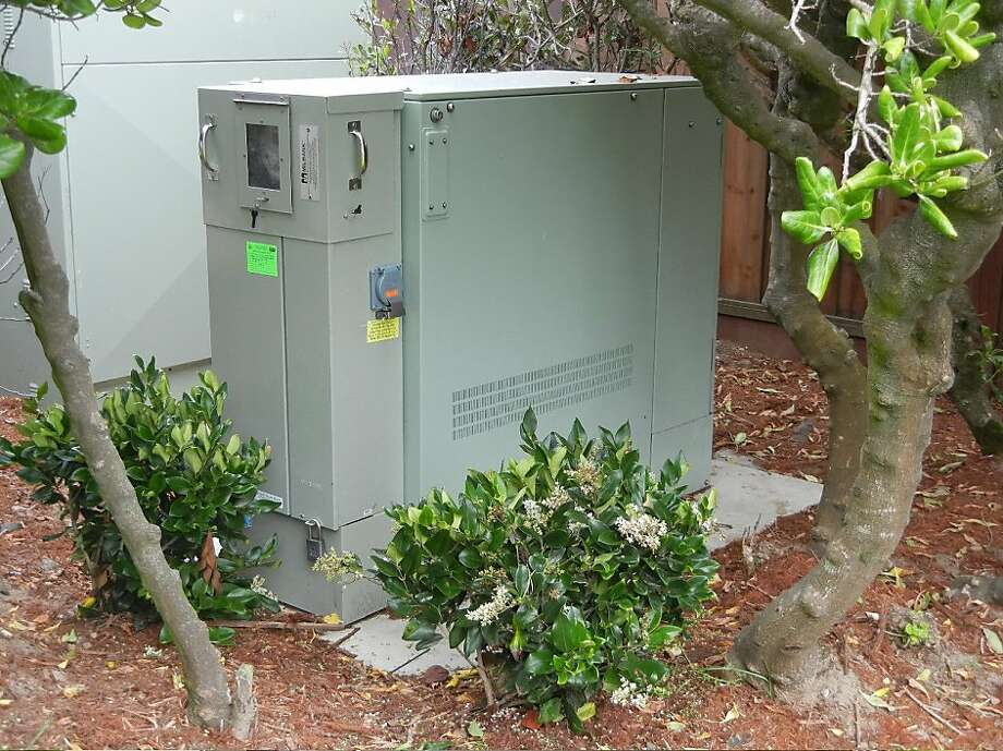 This AT&T U-verse cabinet is located on LaPlaya between Balboa and Fulton.  It is the cabinet that was installed after AT&T received Ameritech's favorable  categorical exemption determination from the Planning Department. Photo: Marc Blakeman, Ameritech