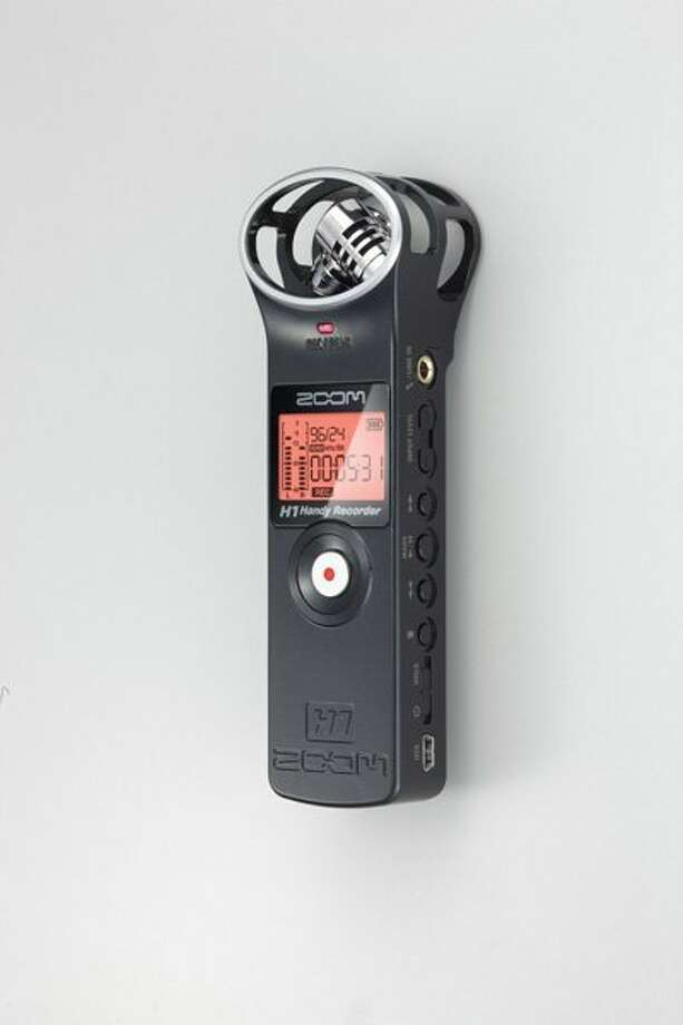 H1 Handy Recorder by Zoom. Photo: Www.zoom.co.jp