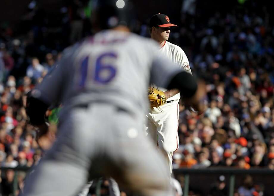 San Francisco Giants starting pitcher Matt Cain pitches with the bases loaded against the New York Mets, SUnday July 10, 2011, at At&T Park in San Francisco, Calif. Photo: Lacy Atkins, The Chronicle