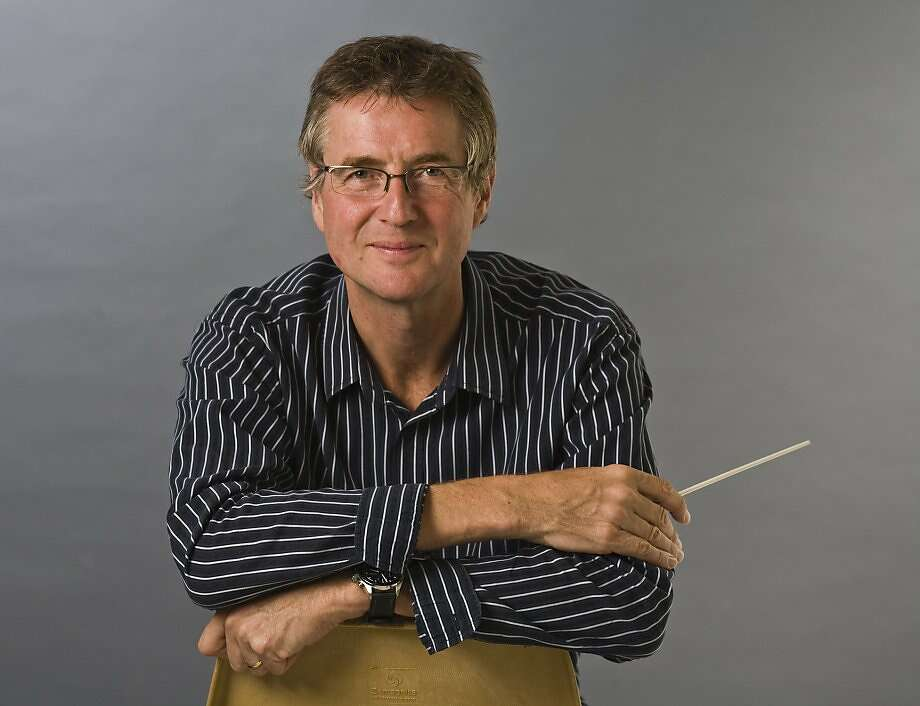 Conductor Paul Goodwin Photo: R.R. Jones